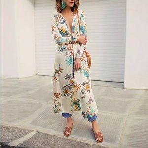 Tops - 🆕Amber Floral Satin Kimono